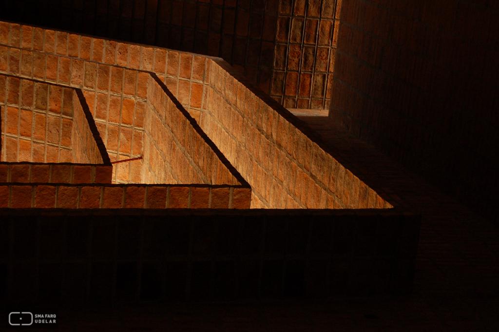 Iglesia de San Pedro, Ing. Dieste, E. Durazno, 1971. Foto de Andrea Sellanes, 2006