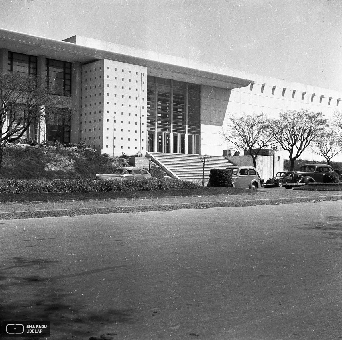 Facultad de arquitectura fresnedo siri for Inscripciones facultad de arquitectura