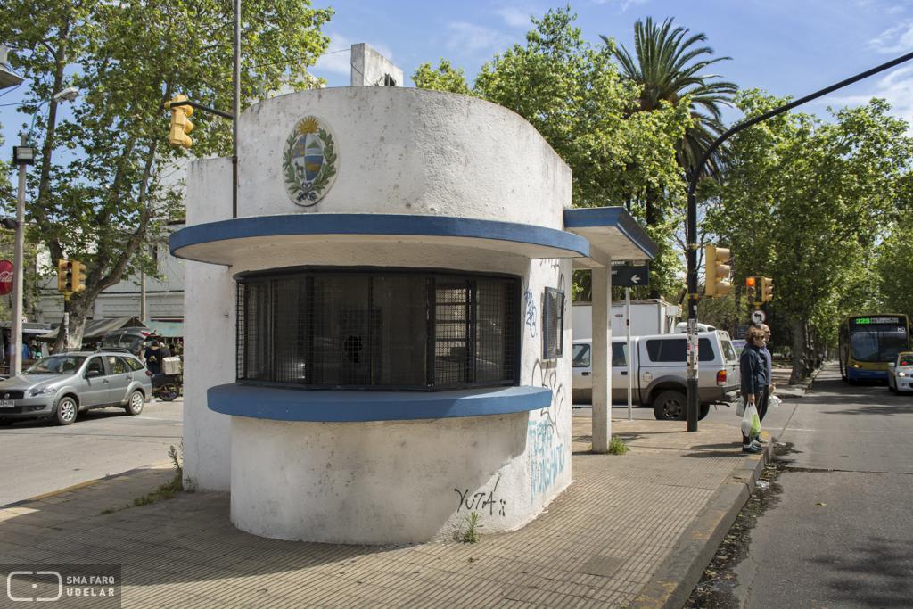 Kiosco policial obras nacionales for Mueblerias por calle rivera montevideo