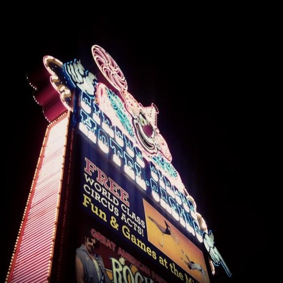 06. Las Vegas. Circus Casino. Letrero lateral. Foto: Pablo Canén.