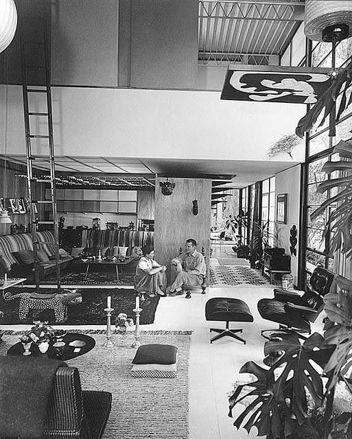 Ray & Charles Eames en su hogar