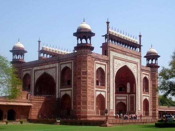 Fig. 05 - Darwaza de acceso al Taj Mahal (http://upload.wikimedia.org)