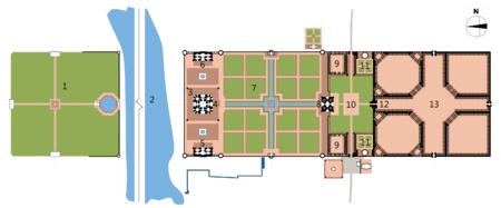 Fig 01: 1- Jardín Luz de Luna, 2- Río Yamuna, 3 – Minaretes, 4 – Mausoleo, 5 – Mezquita, 6 – Jabaz, 7 - Charbagh (jardines), 8 - Darwaza (fuerte de acceso), 9 – Patios externos, 10 – Explanada de acceso principal, 11 – Tumbas secundarias, 12 – Puerta de acceso principal, 13 – Taj Ganji (bazar). (http://upload.wikimedia.org)