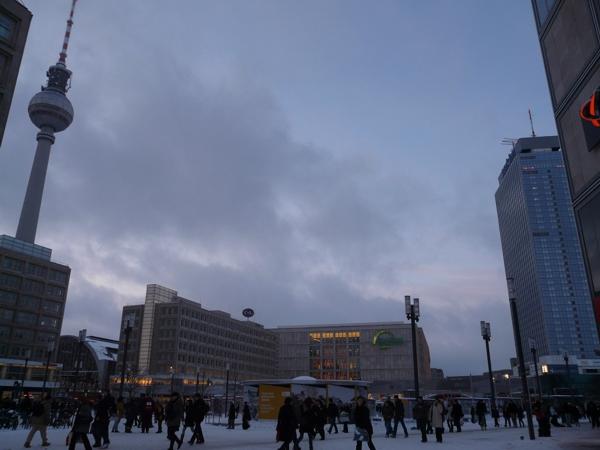01. Alexanderplatz con Fernsehturm de fondo. Foto: Rodrigo Martín Iglesias