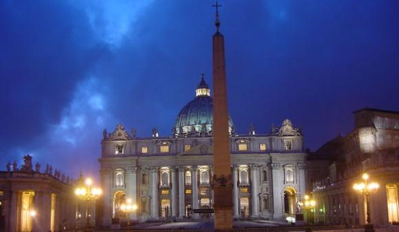 Britos_Columna_Vaticano
