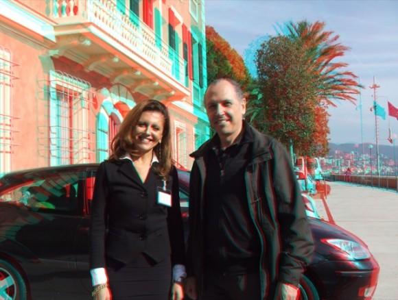 Prof. Marcelo Payssé junto a Giovanna Giusto de RPBW en la visita de 2011. Para ver con gafas 3D.