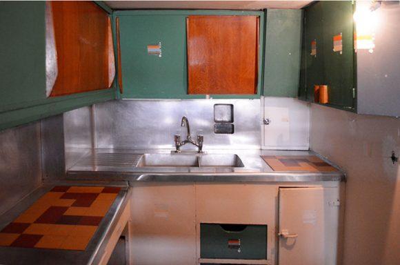 Figura 12: Fotografía viaje académico 2015 – Interior vivienda, espacio cocina