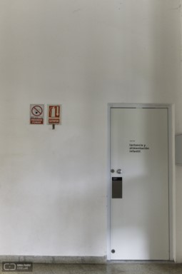 Sala de lactancia, FADU. Montevideo, Uy. 2017. Foto: Sofía Ghiazza 2019.